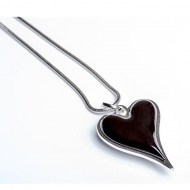 black-heart-necklace